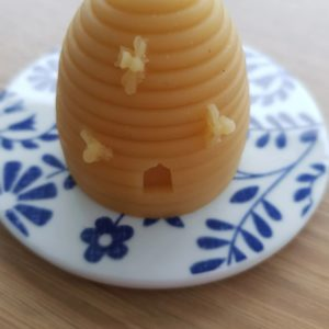 image of beehive beeswax candle