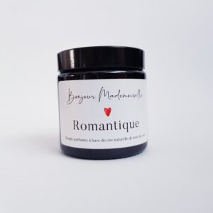 Image of Romantique candle lid on